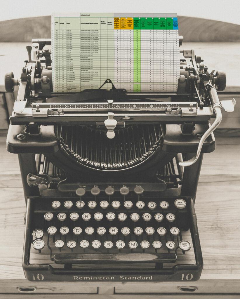 Schreibmaschine mit Brandfallstzeuermatrix